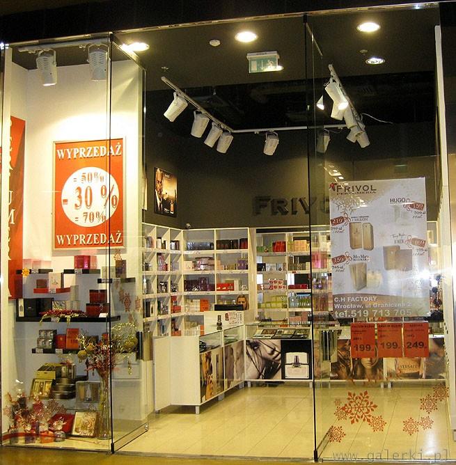 ba508e02bdef5 Artykuł  Outlet FACTORY Wrocław od 30% do 70% taniej przez cały rok. Frivol  - zajmujemy się sprzedażą markowych perfum w bardzo atrakcyjnych cenach.