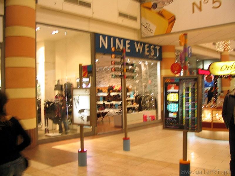 6d872609faee5 Nine West - międznarodowa sieć sklepów z obuwiem i torebkami. Firma  obuwnicza .